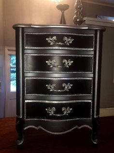 """Carolyn Torress of Love Letters Furniture gets a great """"Old Hollywood Glam"""" finish on this pretty chest of drawers with Artisan Enhancements Pearl Plaster! C- very pretty Old Hollywood Bedroom, Old Hollywood Decor, Glam Bedroom, Diy Bedroom Decor, Bedroom Ideas, Damask Bedroom, Comfy Bedroom, Hotel Decor, Decopage"""