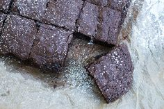 I dag er det den internasjonale sjokoladedagen! Brownie Recipes, Victoria Beckham, Brownies, Den, Food, Cake Brownies, Meals, Yemek, Eten