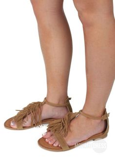 Sand In My Shoes Sandals in Nude | Monday Dress Boutique