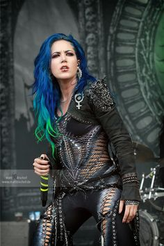 Alissa White Gluz of Arch Enemy photo credit goes to Chica Heavy Metal, Heavy Metal Girl, Heavy Metal Music, Heavy Metal Bands, Rock Y Metal, Black Metal, The Agonist, Alissa White, Women Of Rock