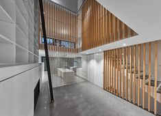 Located in Montreal, this townhouse was designed by RobitailleCurtis to create a modern house which has a atrium with a skylight running the full width of the house Interior Design Magazine, Contemporary Architecture, Interior Architecture, Residential Architecture, Layout Design, Atrium Design, Landscape And Urbanism, Latest House Designs, Best Kitchen Designs