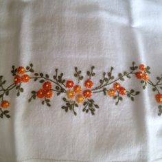 Primavera Diy Embroidery Shirt, Embroidery On Kurtis, Hand Embroidery Flowers, Creative Embroidery, Hand Embroidery Stitches, Ribbon Embroidery, Cross Stitch Embroidery, Border Embroidery Designs, Kurti Embroidery Design