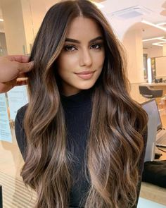 Dark Hair With Highlights, Brown Highlighted Hair, Brown Hair With Balayage, Balayage Brunette, Dark Brown Long Hair, Pretty Brown Hair, Dark Brunette Balayage Hair, Balayage Long Hair, Balyage Hair