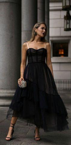 Flowy Midi Dress, Strapless Dress Formal, Formal Dresses, Nyc Fashion, Party Fashion, Formal Fashion, Dress Outfits, Fashion Dresses, Look Chic
