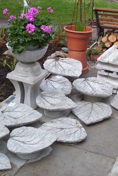 Beton-Blätter als Deko oder Vogeltränke verwenden