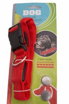 LED Hondenhalsband Rood  Description: Met deze licht gevende hondenhalsband is uw hond goed zichtbaar voor het verkeer. Verder is deze halsband door zijn breedte van 25 mm. comfortabel voor uw hond en door de gebruikte materialen erg sterk.  Price: 6.95  Meer informatie
