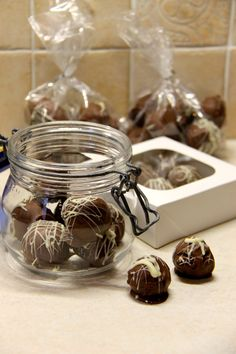 I think its becoming a bit of a weekly habit in my house to make truffles, then eat them all up far too quickly… But...