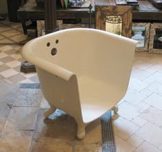 Olde Good Things is a store I found in Manhattan. They salvage everything from old buildings.why not make a chair out of an antique bathtub? Antique Bathtub, Old Bathtub, Bath Tub, Bathtub Bench, Clawfoot Tubs, Manhattan, Claw Foot Bath, Foot Baths, Colourful Cushions