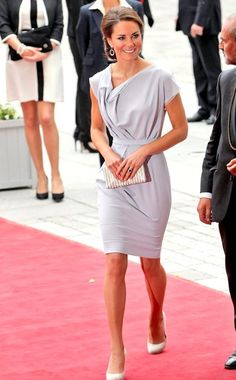 I absolutely LOVE Princess Kate's style!!  So elegant and graceful!