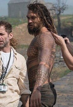 1693cc8f175f5 Jason-Aquaman set Jason Moma, Tatoo, Jason Momoa Aquaman, Khal Drogo,