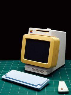 Early Apple computer prototypes by Hartmut Esslinger, 1982/1983.