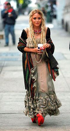 bohemian boho style hippy hippie chic bohème vibe gypsy fashion indie folk look outfit Hippie Style, Look Hippie Chic, Gypsy Style, Bohemian Style Jewelry, Bohemian Clothing, Bohemian Dresses, Bohemian Rings, Boho Gypsy, Hippie Boho