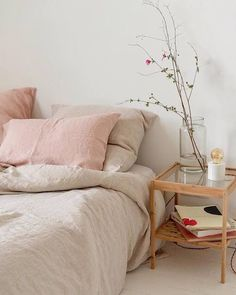 This is a Bedroom Interior Design Ideas. House is a private bedroom and is usually hidden from our guests. However, it is important to her, not only for comfort but also style. Much of our bedroom … Pastel Bedroom, Airy Bedroom, Home Bedroom, Bedroom Ideas, Pink And Beige Bedroom, Trendy Bedroom, Modern Bedroom, Bedroom Table, Bedroom Furniture