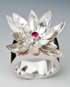 Box Ring by Fall 2012 JTI Graduate Mitzi Staufer | My Favorite Award