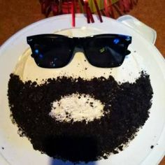 Have a bearded man in your life? Make him a bearded birthday cake with crushed Oreo cookies. Have a bearded man in your life? Make him a bearded birthday cake with crushed Oreo cookies. Birthday Cake For Men Easy, Funny Birthday Cakes, Birthday Cake For Husband, Funny Cake, Birthday Desserts, Birthday Cupcakes, 25th Birthday Ideas For Him, Boyfriend Birthday Cakes, Happy Birthday