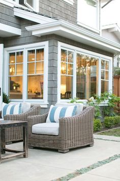 Designer Spotlight- Kelly Nutt Design like this but 2 over 2 and double-hung Café Exterior, Bungalow Exterior, Exterior Colors, Exterior Design, Exterior Windows, Siding Colors, Exterior Remodel, Exterior Paint, Coastal Cottage