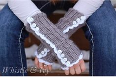 Crochet Arm Warmers | The WHOot