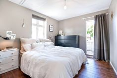10 Renovated Homes for Sale Right Now in the Bay Area San Francisco Houses, Modern Spaces, Modern Interior Design, Bed, Furniture, Home Decor, Homemade Home Decor, Modern Interior Decorating, Stream Bed