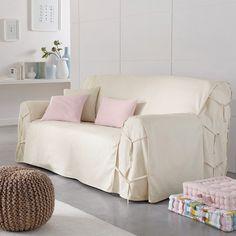Características de la funda de sofá:Una funda práctica para el sofá adaptable por lazos. Bonita tela de loneta 100% algodón (220 g/m²).Tratamiento antimanchas.Fácil de cuidar: lavado a 40 °C, colores resistentes lavado tras lavado.Dimensiones de la funda de sofá:Altura total: 102 cm.Profundidad de asiento: 60 cm. Altura del reposabrazos 66 cm.3 modelos a elegir: - sofá de 2 plazas: ancho 142 cm máx.- sofá 2/3 plazas: ancho 180 cm máx.- sofá 3 plazas: ancho 206 cm máx.¡Antes de ha...