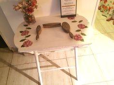mesa pintada a mano Dolores Montoya