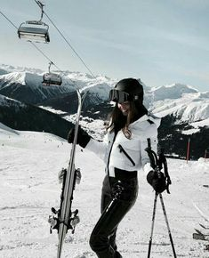 Excellent Screen Fashion Winter photography Concepts When the Fresh Yr discovers you actually asking yourself getting a great look during the most cold Ski Fashion, Winter Fashion, Sporty Fashion, Fashion Clothes, Fashion Women, Fashion Ideas, Fashion Tips, Mode Au Ski, Snow Pictures