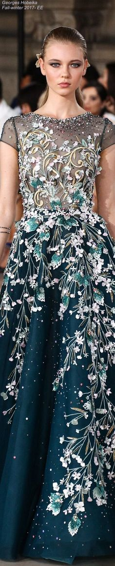 The design on this couture is really beautiful. The intricate details on this dress really brings out the color of the dress and the skin of the model. Fashion Week, High Fashion, Fashion Show, Fashion Design, Georges Hobeika, Beautiful Gowns, Beautiful Outfits, Couture Fashion, Runway Fashion