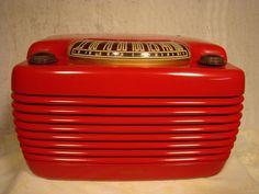 Philco Hippo Bakelite Deco Radio