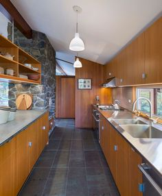 Awesome 50 Charming Mid Century Kitchen Design Ideas https://livinking.com/2017/06/13/50-charming-mid-century-kitchen-design-ideas/