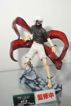 Amazing Tokyo Ghoul Kaneki figurine ( I need this like .RIGHT.NOW!!!!!!! )