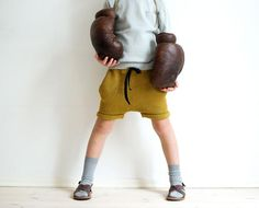 We love this summer pants! Pattern/oppskrift by Kids Knitting Patterns, Knitting For Kids, Summer Pants, Ss16, Workout Shorts, Kids Wear, Baby Kids, Kids Outfits, Kids Fashion