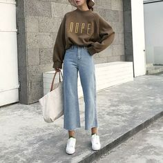 26 Classy Fall Outfits To Copy For Fall outfits Newest fall outfits casual outfits; Mode Outfits, Korean Outfits, Night Outfits, Fashion Outfits, Classy Outfits, Fashion Ideas, Fashion Tips, Retro Outfits, Lifestyle Fashion