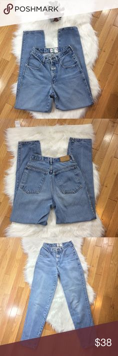 """Vintage 80's Palmettos High Waisted Mom Jeans Vintage size 5 but has a 24"""" waist. Has some rubbing on inside inseam as shown. Button giggles around a little. Very sturdy Jean material. 11"""" rise: 30: inseam: 17"""" hip across; No trades. Vintage Jeans Straight Leg"""