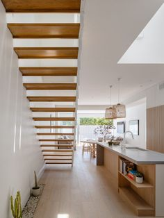 James Garvan Architecture has added gabled screens to the facade of North Bondi House, which is meant to mimic the form of a neighbouring property. Architecture Renovation, Architecture Photo, House Architecture, Residential Architecture, Timber Battens, Timber Tiles, Biarritz, Light And Space, Types Of Houses