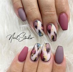 Popular Fall Nails Color Ideas You Will Love - Nail Art Connect Love Nails, How To Do Nails, Pretty Nails, My Nails, Fall Nails, Coffin Nails, Acrylic Nails, Fall Nail Designs, Nail Polish Designs