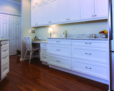 Ample drawers with super luxurious white painted fronts!