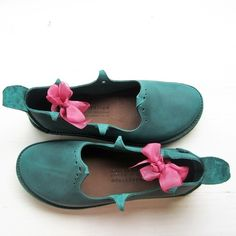 HOLLY Round Shoes, Made to Order - Fairysteps. Shoes & Such