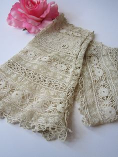 Vintage Ecru Lace Fingerless Wedding Gloves by jenscloset on Etsy, $23.50