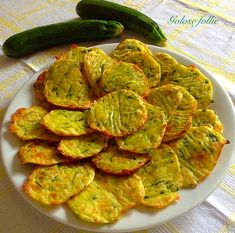 Frittelle di zucchine (Daniele Persegani) | Golose follie No Salt Recipes, Chicken Recipes, Cooking Recipes, Zucchini Parmesan Crisps, Healthy Salads, Healthy Recipes, Italian Snacks, Maila, Eggplant Recipes