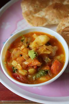 YUMMY TUMMY: Simple Potato Tomato Curry / Aloo Tomato Gravy - Side Dish for Poori, Chapati & Battura