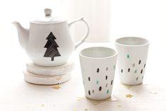 Christmas tree teapot by etsy.com/shop/Asleepfromday