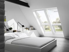 Select your bedroom size to find the right roof windows and blinds. Get product recommendations in our bedroom guide Bedroom Size, Bedroom Loft, Master Bedroom, Dark Curtains, Down Comforter, Luz Natural, Natural Light, Bedroom Windows, Attic Rooms