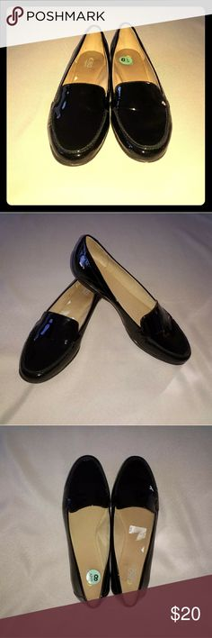 489e891a417 Shop Women s Easy Spirit Black size Flats   Loafers at a discounted price at  Poshmark.