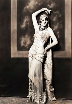 Marion Benda, Ziegfeld Follies dancer by Alfred Cheney Johnston c. 1920's - This might in fact be assiut - then again.. perhaps not.. But either way, it's a gorgeous photo.