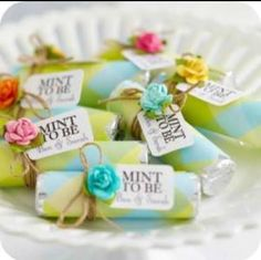 Mints as #Wedding #Bonbonniere (sweets for guests) ♡ Your Complete Wedding Ceremony & Reception Guide ... for brides, grooms, parents & planners ♡ https://itunes.apple.com/us/app/the-gold-wedding-planner/id498112599?ls=1=8 ♡ Weddings by Colour ♡ http://www.pinterest.com/groomsandbrides/boards/