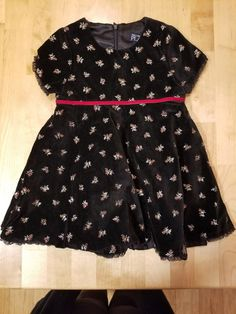 74350df8181 Girl s THE CHILDRENS PLACE Black Velvet Embroidered Flowers Dress size 18  Months  fashion  clothing
