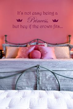 how cute for a little girl princess's room :) Melanie i need you to make this for Emmas room!!!