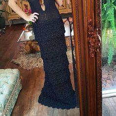 WEBSTA @ vanessamontoro - Black tie ▪ about to thrill 😍👗❤💐🍾 #VanessaMontoroStyle #vanessamontorcrochet #Authentic #Timeless #Handmade