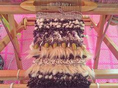#monotone#black#white#1000weave#weaving#love#happy#yarn#fur#saoriweaving#handmade#colorful#knit#wool#fur#stole#織物#糸#さをり織り#オーダー#カラフル#ニット#羊毛#ファー#ストール#マフラー