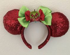Disney Mickey Ears, Mickey Mouse Ears, Disney Diy, Disney Crafts, Theme Park Fashion, Micky Ears, Disney Bedrooms, Disneyland Halloween, Disney Bounding