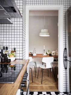 A SMALL SWEDISH APARTMENT (via Bloglovin.com )
